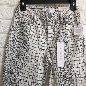 NWT Liverpool crocodile print crop jeans